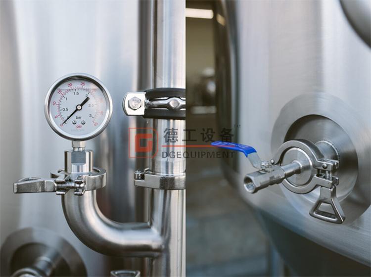 pressure-gauge-of-750