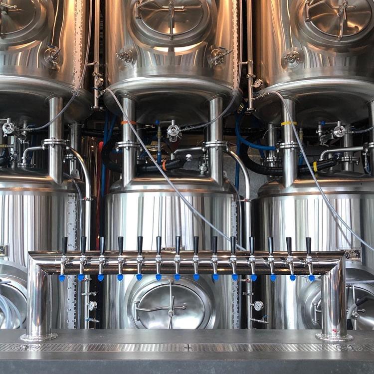 Beer bright beer tank/service tank in brewpub