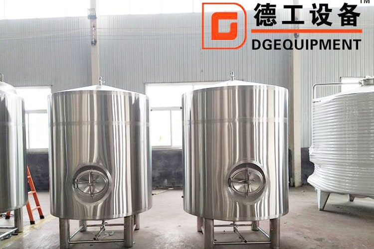 beer tanks-min