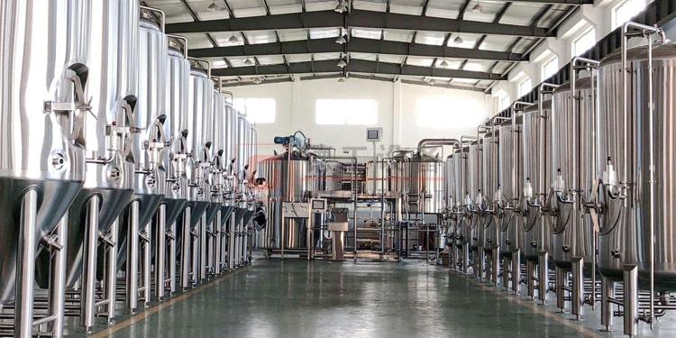 beer fermenting brewery vessel